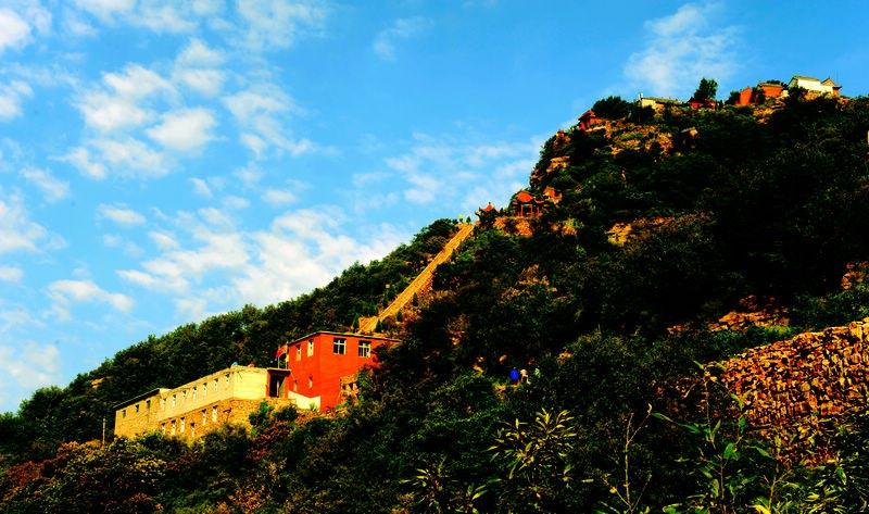 小西天风景名胜区位于邢台市西南45公里处,是我国北方著名的道教名山